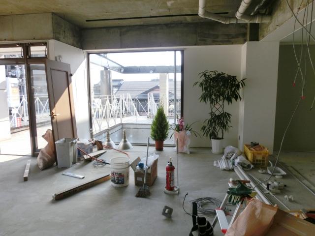 開店前の工事現場